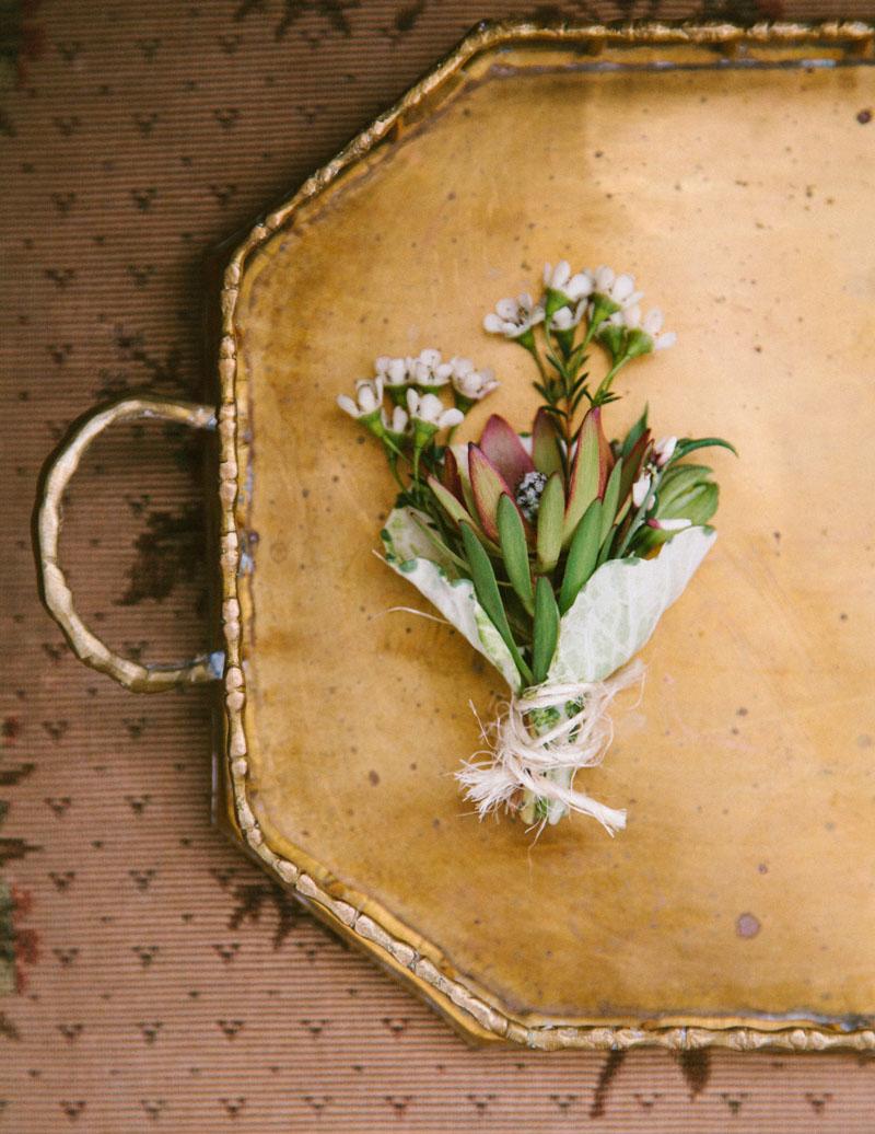 rusticfeatherinpired-flowertray