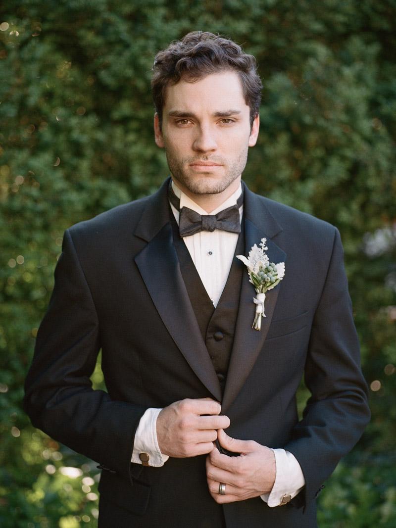 vintagegarden-groom