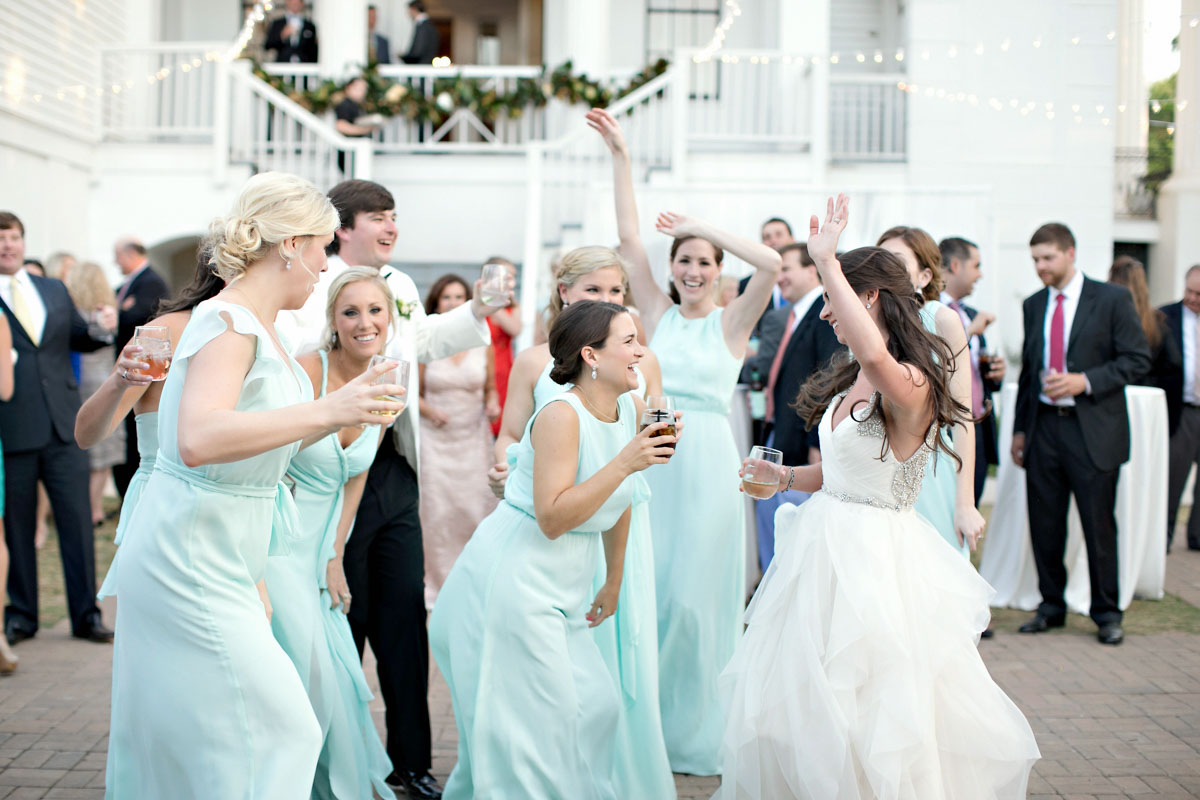 weddingreceptionbridalpartydancing