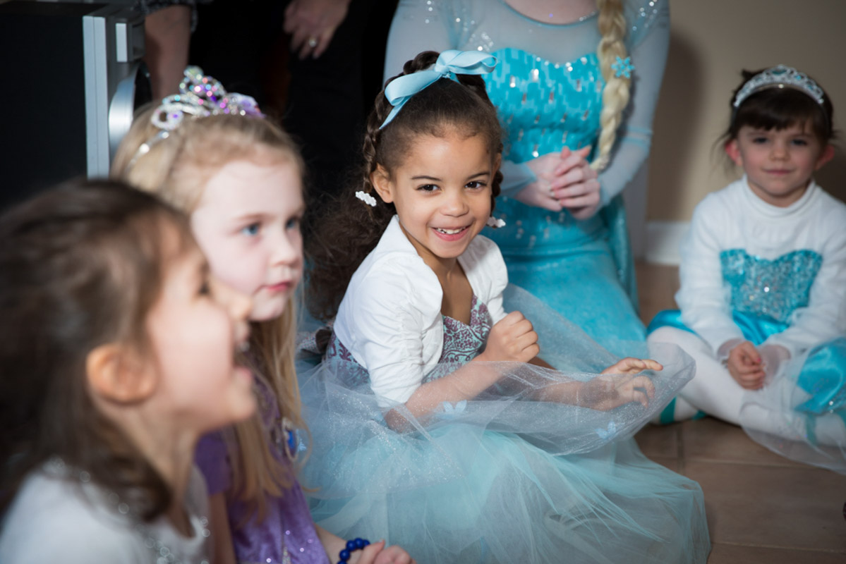 Birthday Girl With Elsa Entertainer