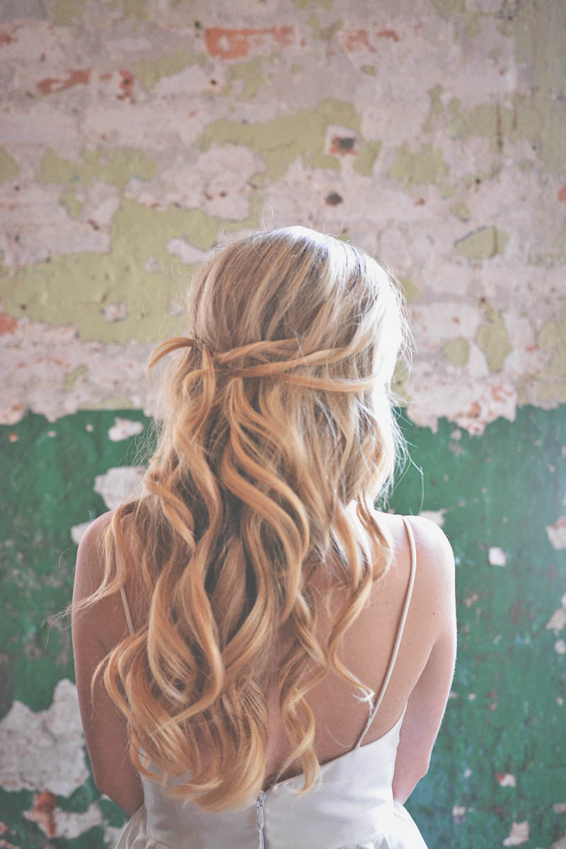 Blonde Curly Hair Style