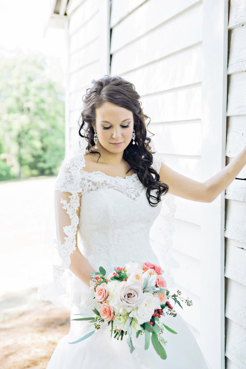 Bride & Bouquet_