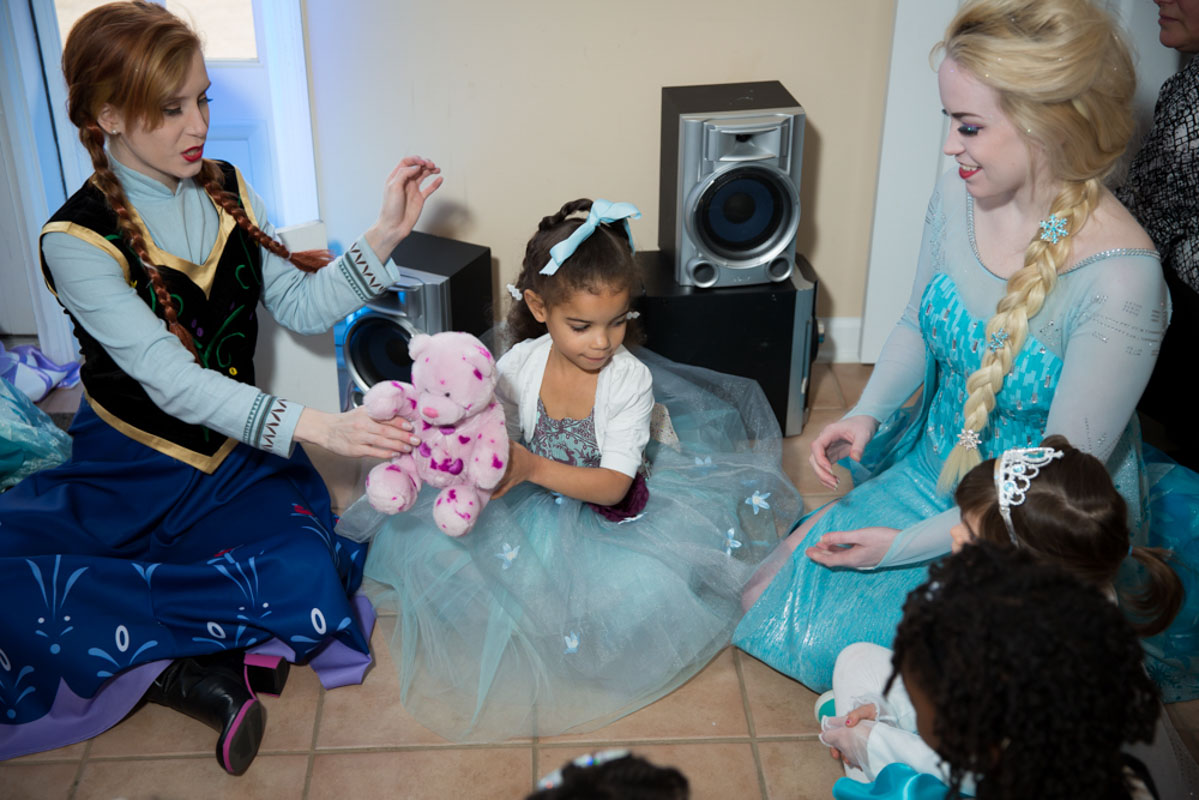 Elsa and Anna Entertainers