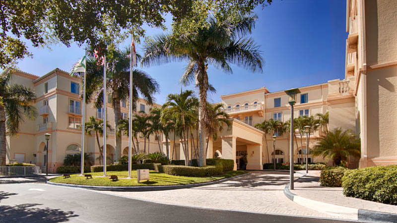 Hilton Naples Exterior Shot