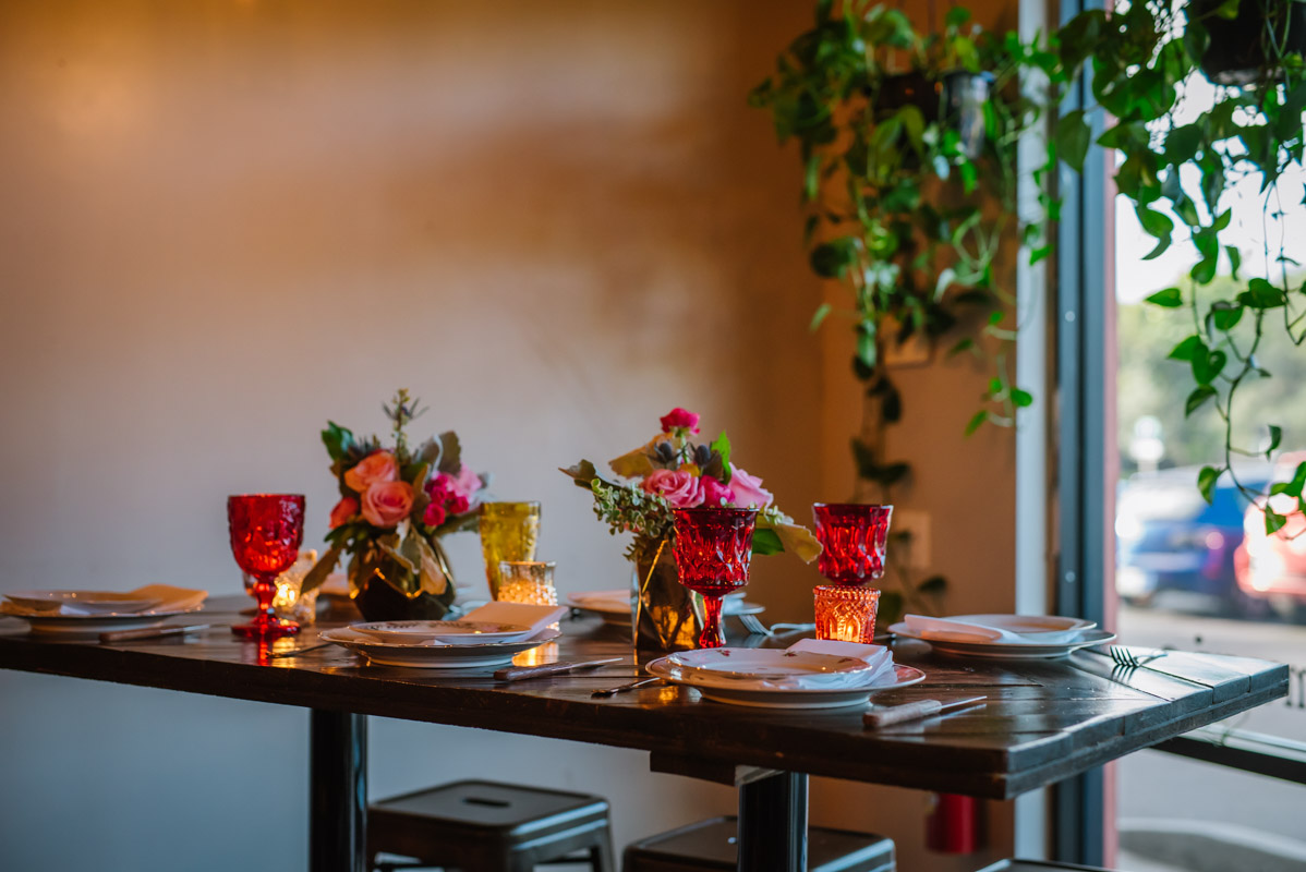 Red and Pink Party Table Decor