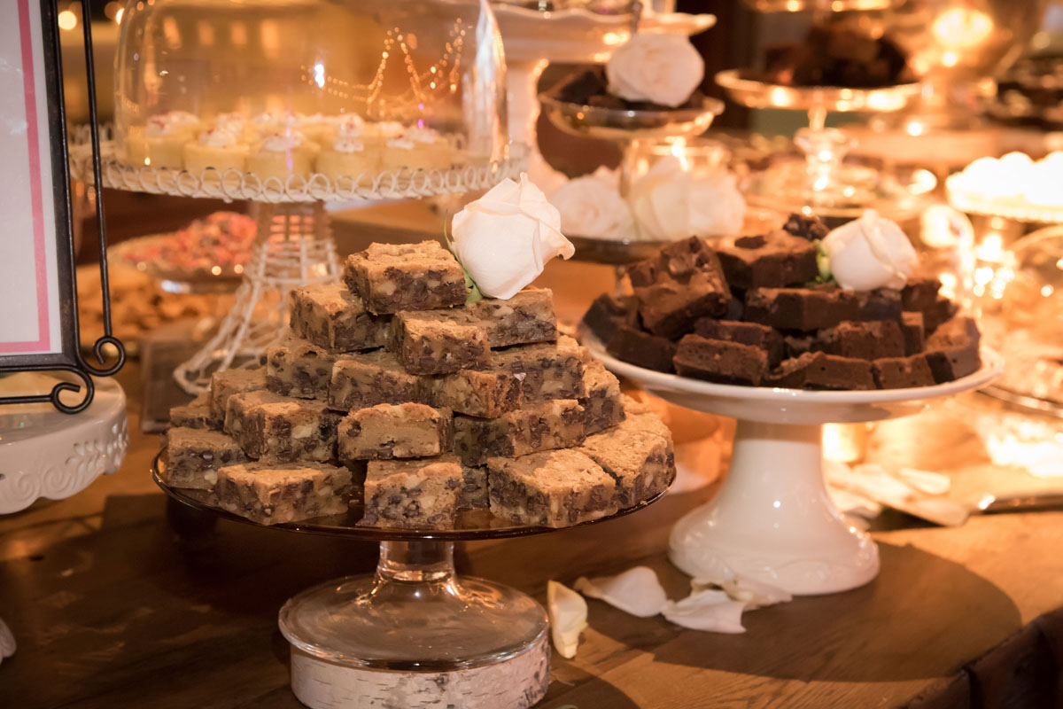 desserts accented with small white rose