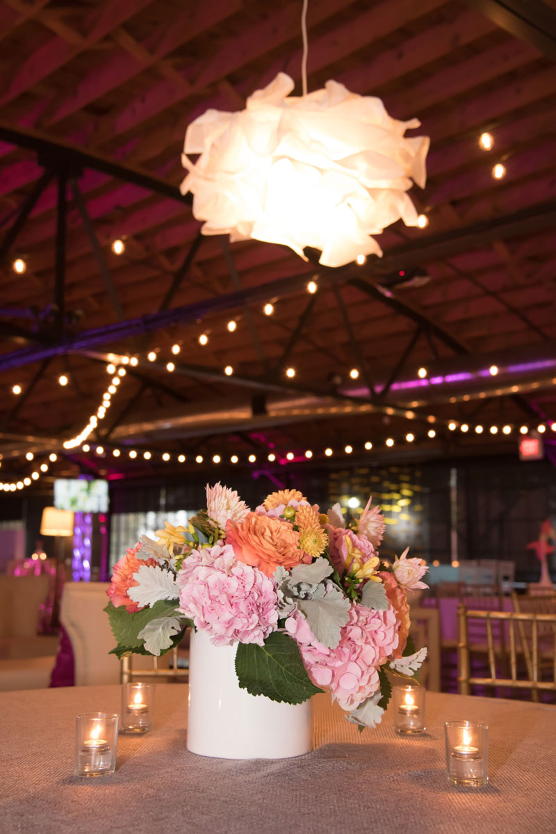 full bouquet of roses and hydrangea center piece