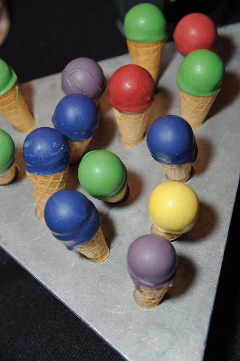 paint colored ice cream cones