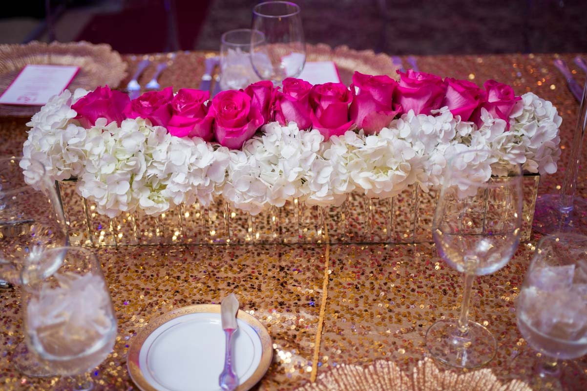 pink roses and white hydrangea table runner