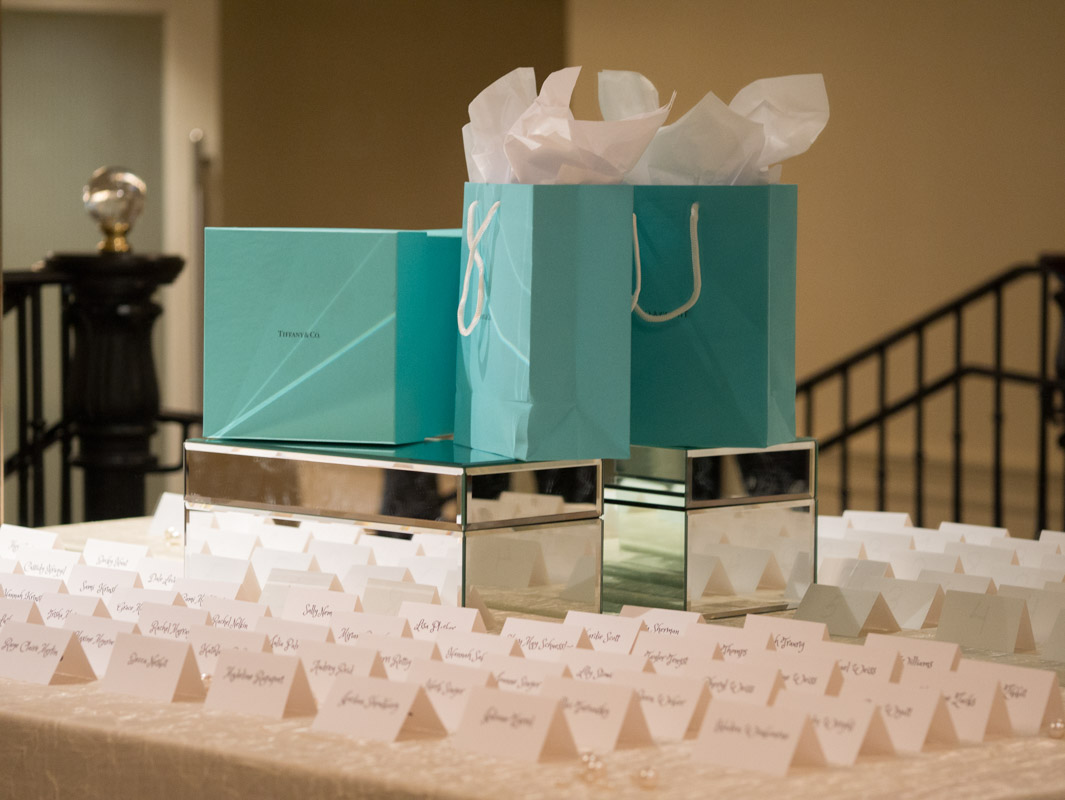 place cards table at tiffany and co themed party