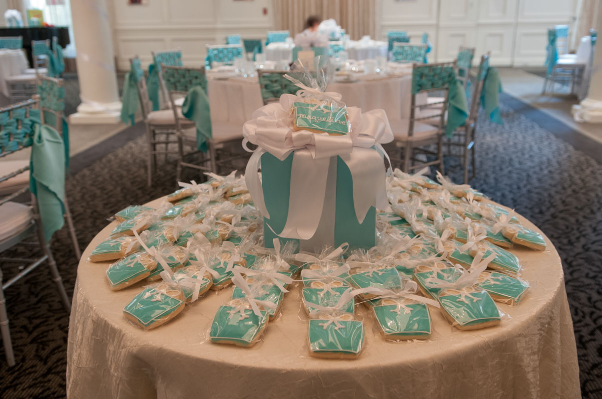tiffany and co jewlery box shaped cookies