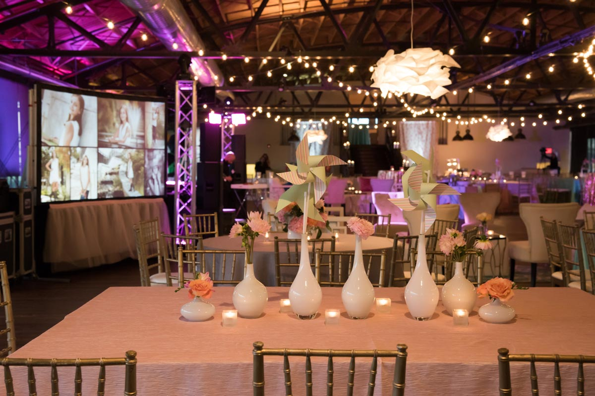 varying sizes of floral and pinwheel center pieces