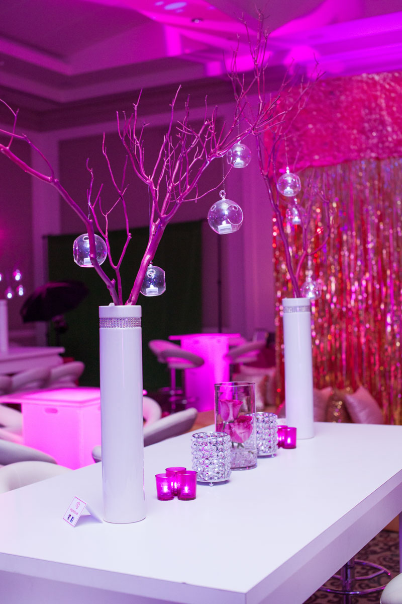 white silver and pink table centerpieces