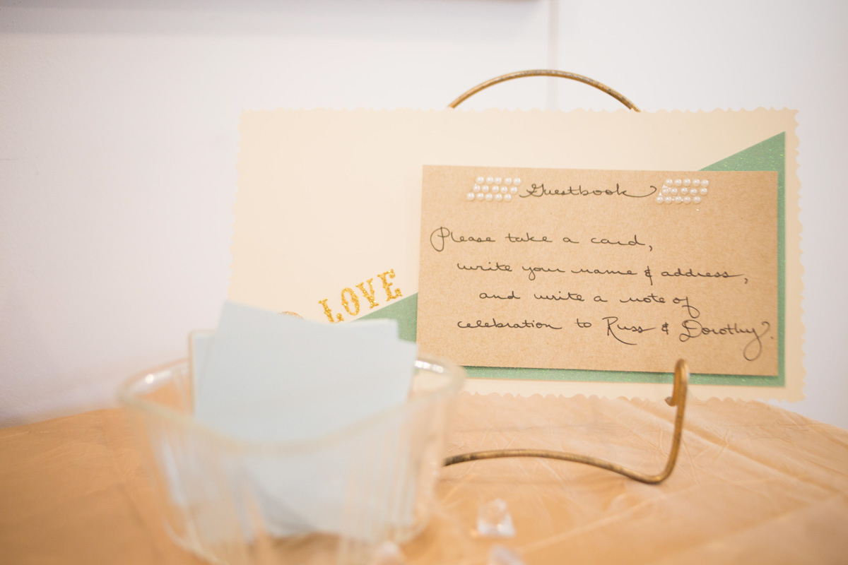 station to leave a note for the bride and groom
