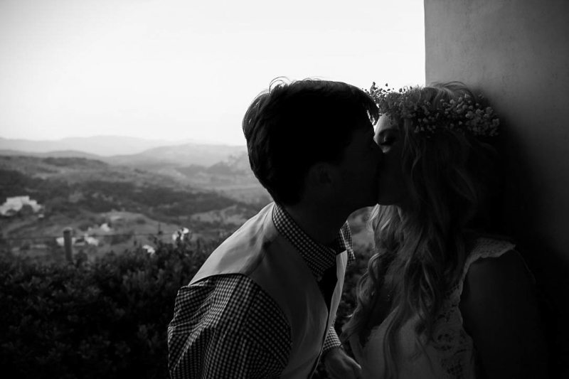 BW Kissing With a View