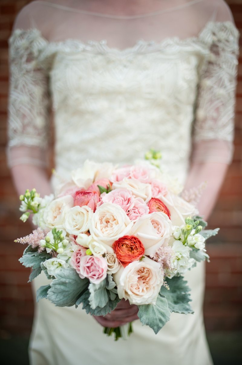 ElegantGeorgiaWeddingBrideGardenRoseBouquet