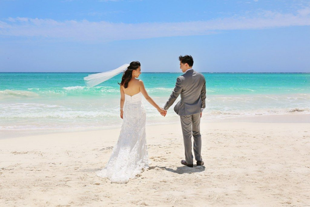 Feature Image - Bride & Groom on Beach_