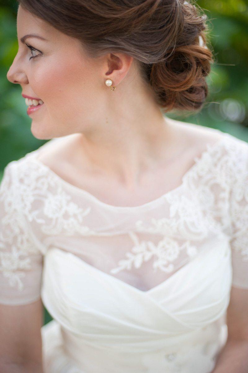 short sleeve tulle wedding dress