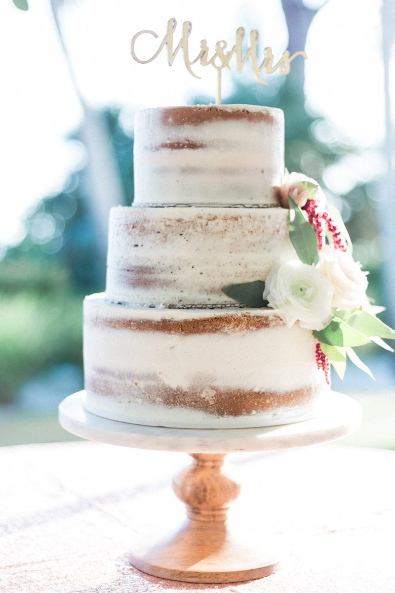 Cake naked mr mrs word gold cake topper Mirtich_Scordos_Hunter_Ryan_Photo_sanibelislandcasaybelweddingphotographyhunterryanphoto5974