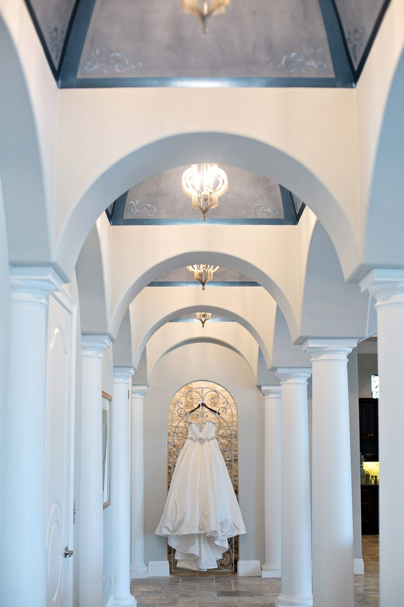 Dress hanging inside on columns Barry_Bailey_Kristen_Weaver_Photography_KWPSGBA0055
