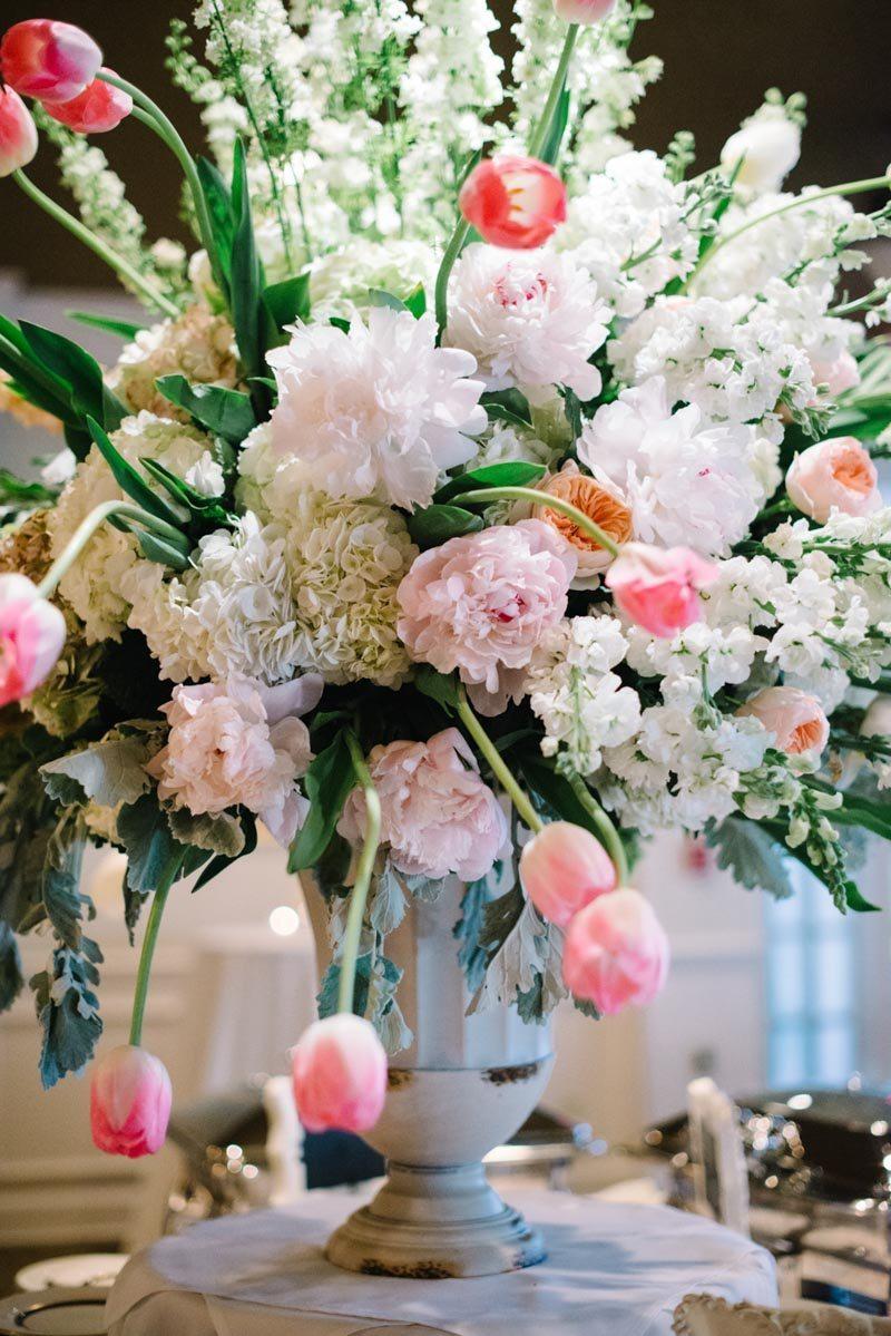 Floral centerpiece Boaen_Smith_Britt_Croft_Photography_smithSUBMIT23