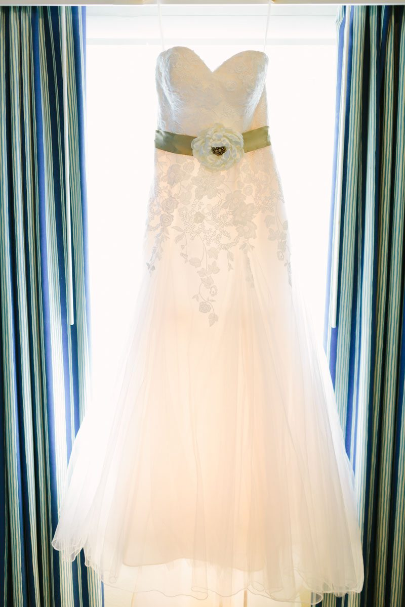 _Strapless Wedding Dress with Colored Floral Sash