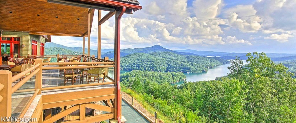 Situated Perfectly For An Unmatched View Of The Chattahoochee And Nantahala National Forests Venue Overlooks Exquisitely Green Waters