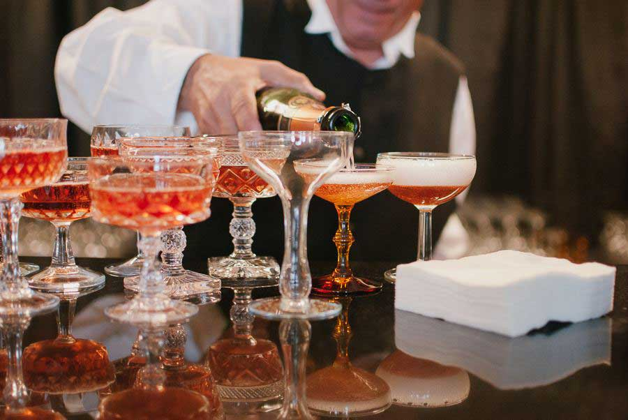 The Cash Bar Crux How To Overcome This Wedding No No Budget