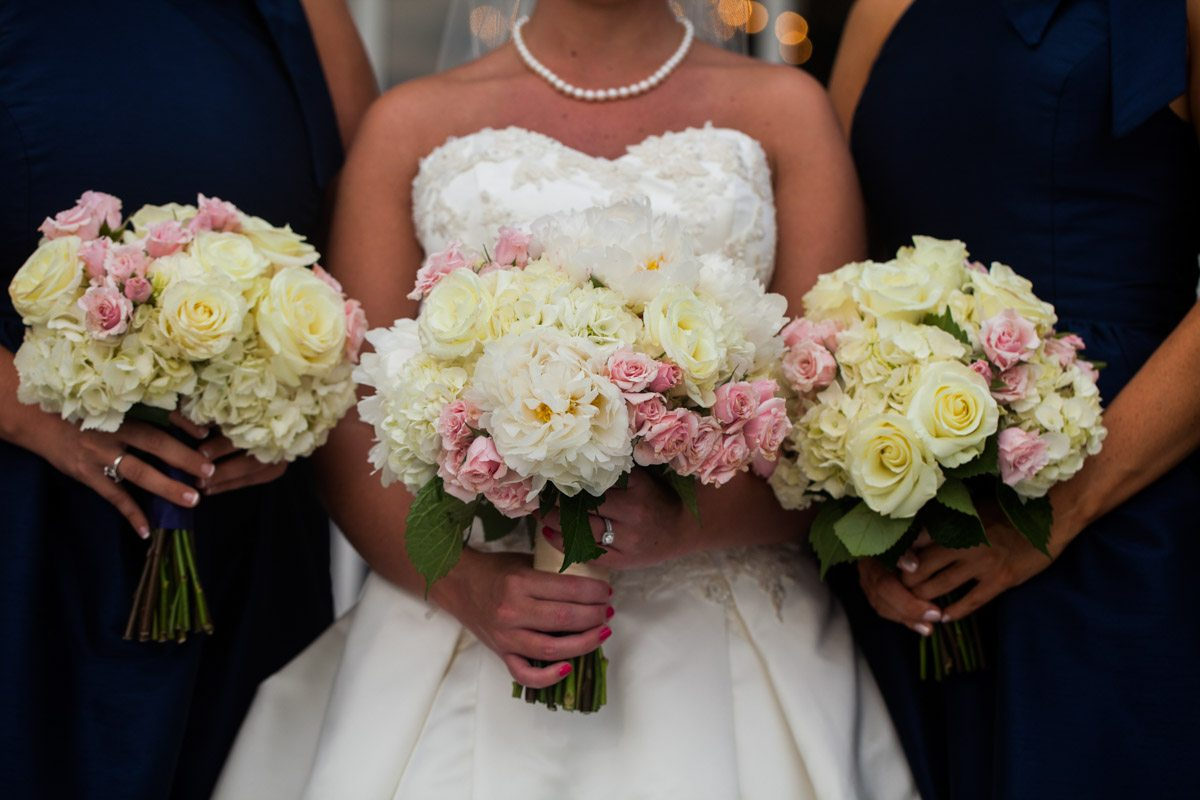 _Bride and bridesmaid bouquets Herndon_Herndon_Sharon_Theresa_Wheaton_20150627sharontheresawheaton1050