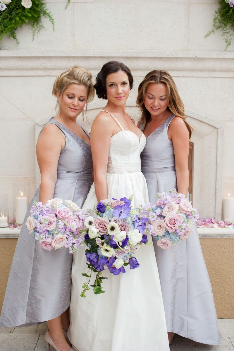 _Bride and her girls in gray dresses Diaz_Gonzalez_Kathy_Thomas_Photography_KathyThomasPhotographyGonzalez87