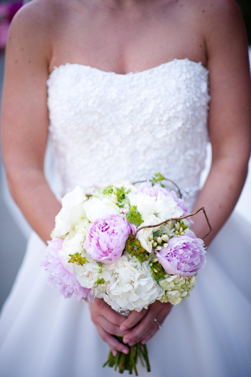 Close Up of Bride's Bouquet - Tessa Marie Weddings