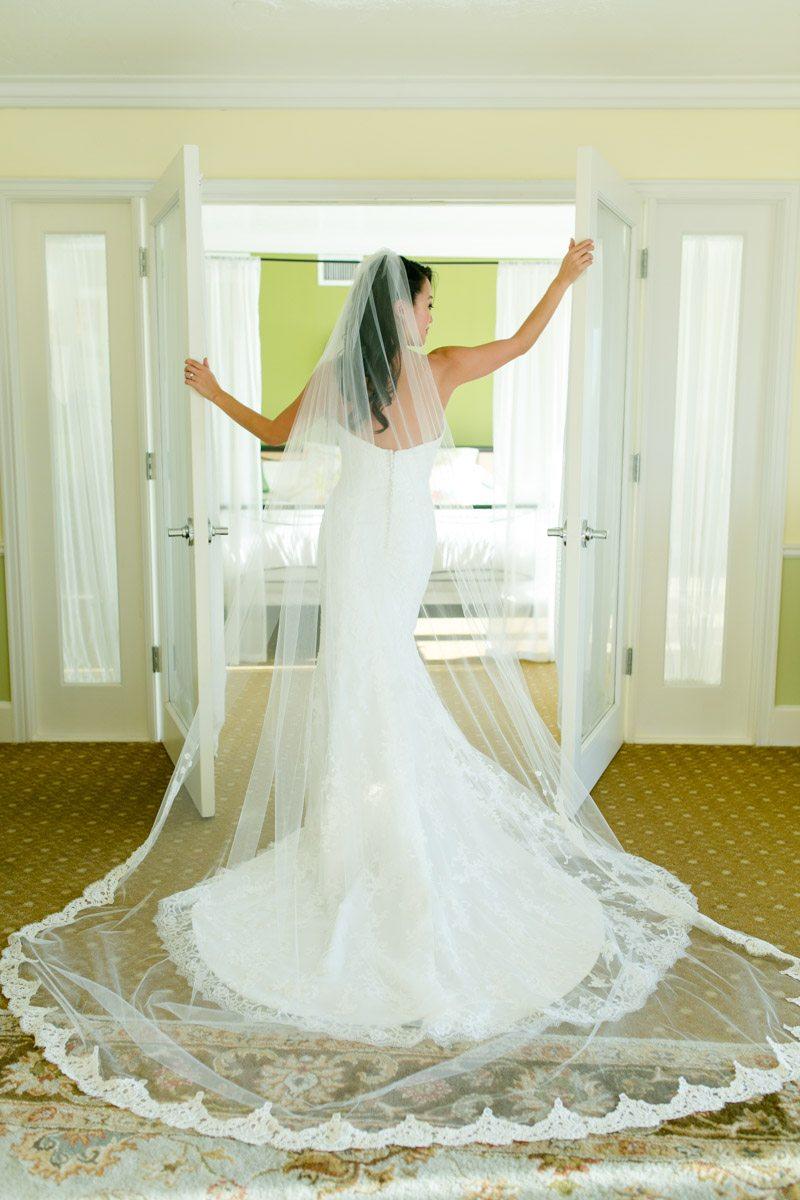 Gorgoues veil shot Tsou_Nealon_Set_Free_Photography_LaPlayaWeddingNaplesPhotographerFloridaSetFreePhotography1423