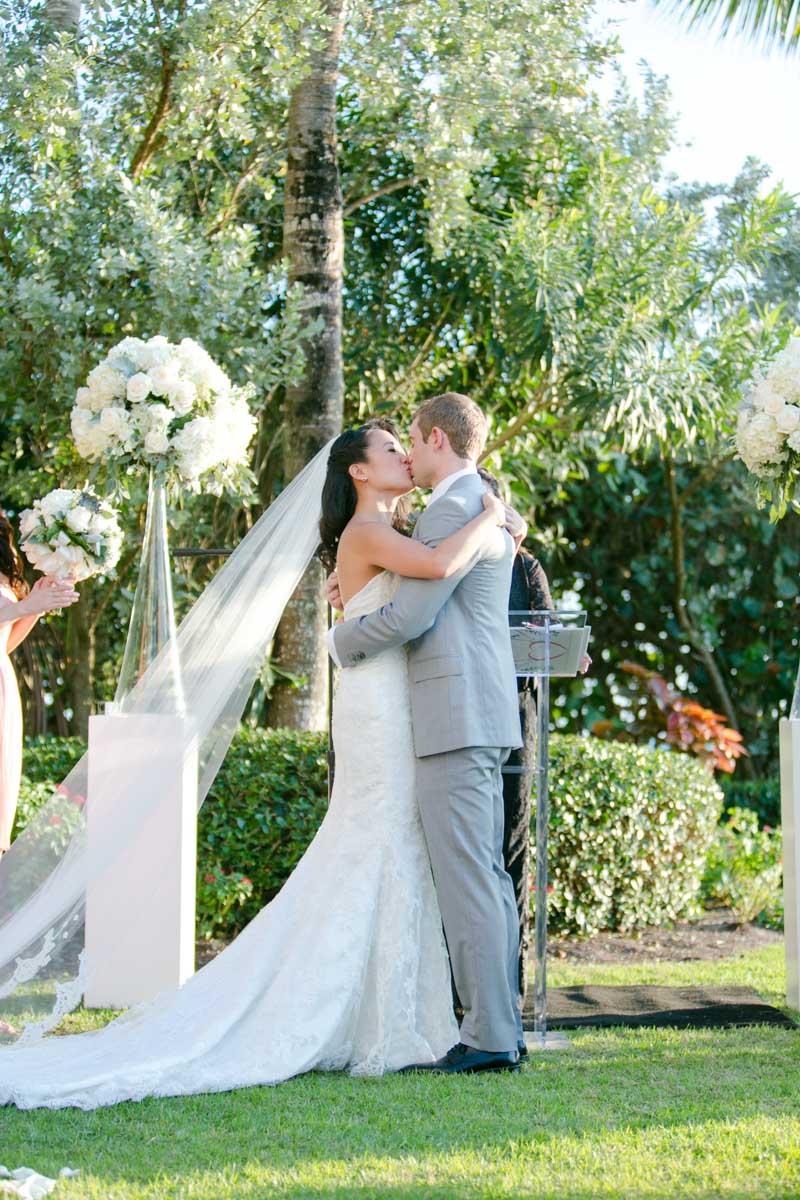 Kiss the bride ceremony Tsou_Nealon_Set_Free_Photography_LaPlayaWeddingNaplesPhotographerFloridaSetFreePhotography1622