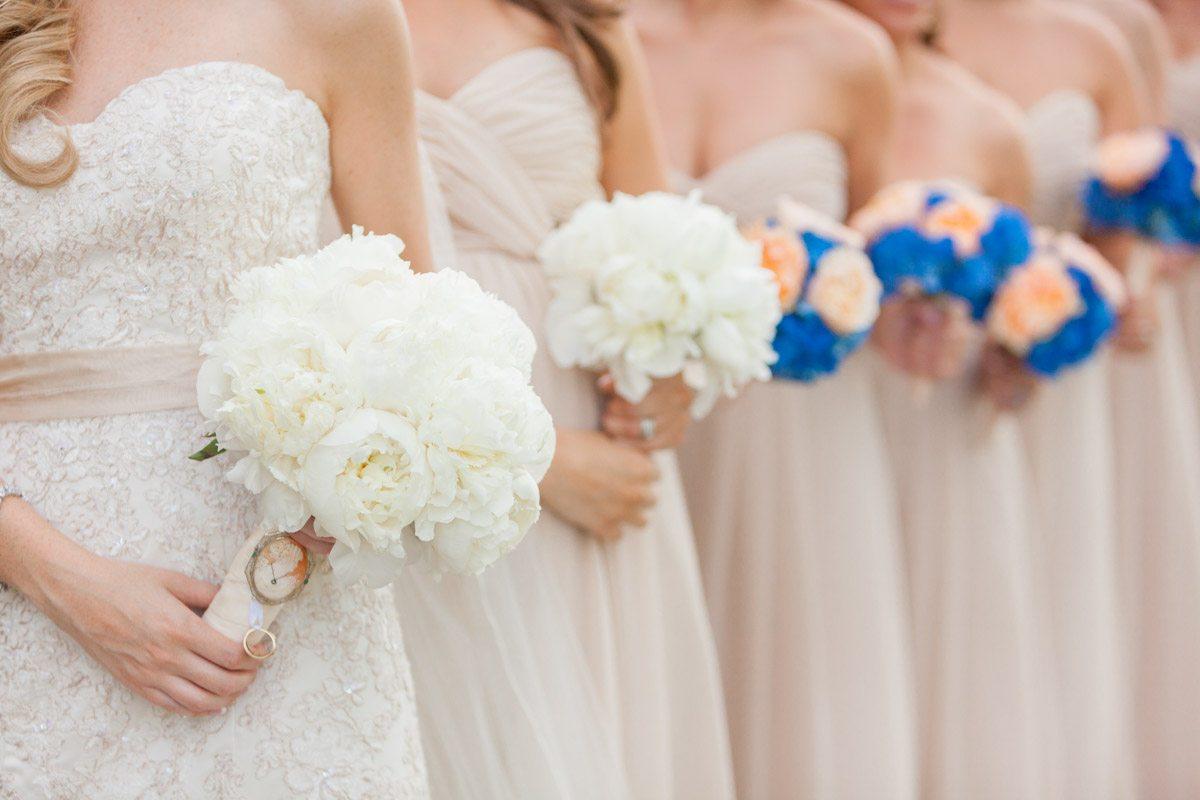 Line up of Bouquets - Victoria_Angela_Photography_20130525calderonfizer0137