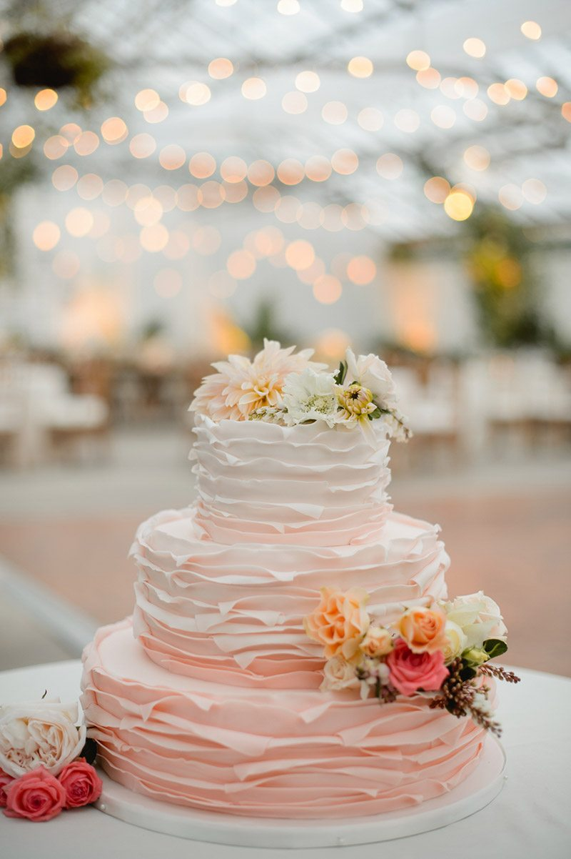 Ombre Ruffled buttercream wedding cake_Love Me Do Photography