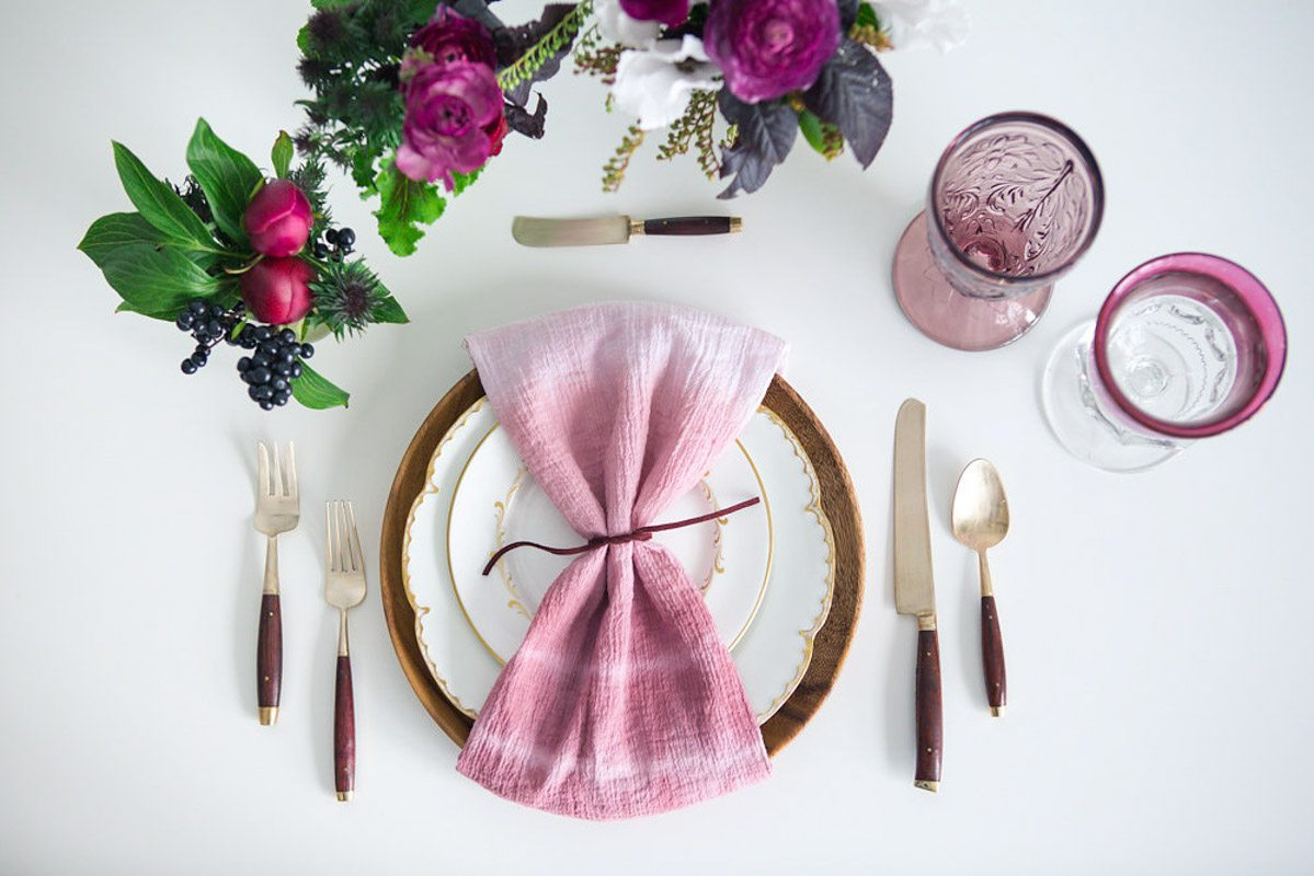 Ombre dipped napkin and purple placesetting_GATHER Events - Gary Ashley of The Wedding Artists Collective 2