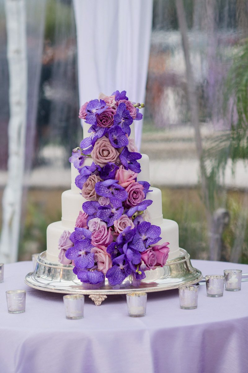 _Purple floral covered cake Diaz_Gonzalez_Kathy_Thomas_Photography_KathyThomasPhotographyGonzalez48