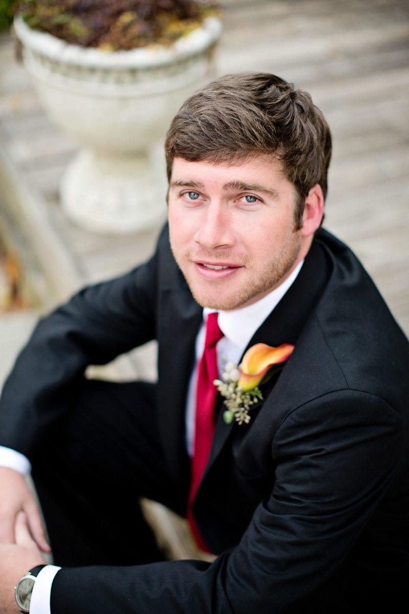 boutonniere groom portrait