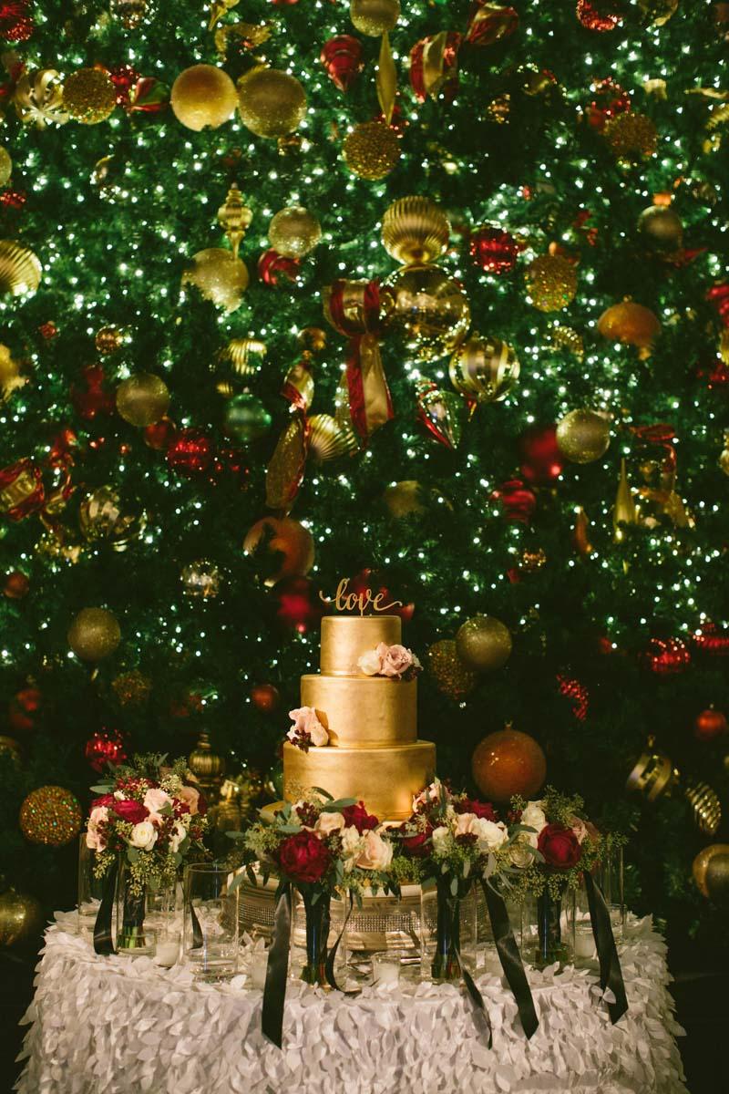 christmas gold wedding cake table display
