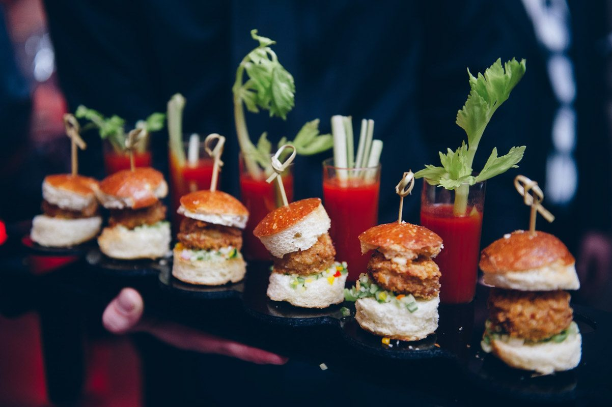 Baby bloody mary and sliders Mineo__Imagen_Photos_f77