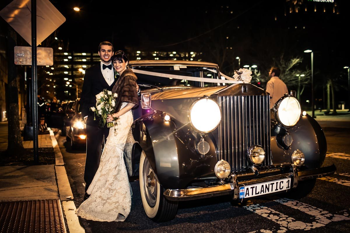 Bride and groom outside with vintage car Townsend_Coffee_Janet_Howard_Studio_Coffee0820