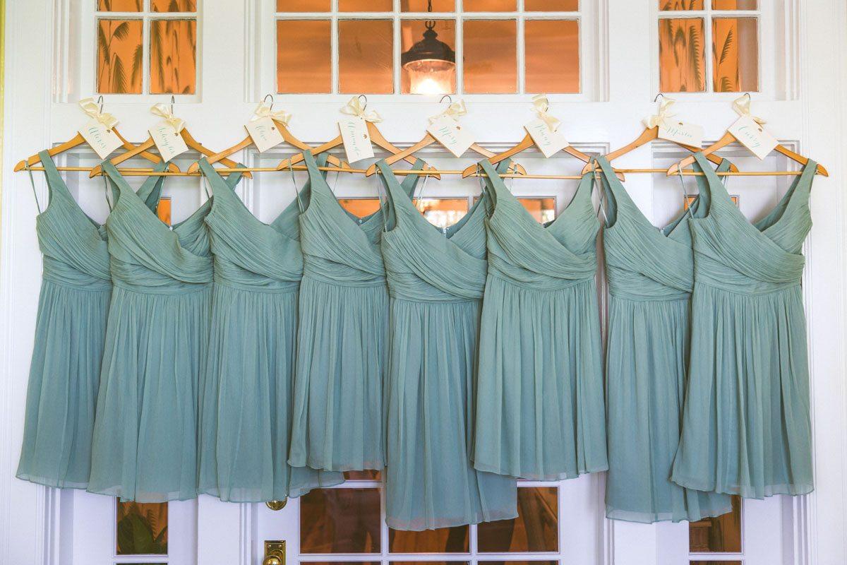 _Bridesmaids dresses hanging TAWed0018