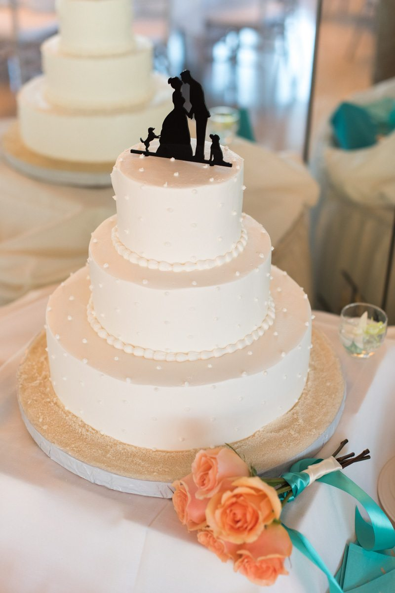 Cake close up with silhouette cake topper Pearl_Warnock_Caroline__Evan_Photography_MichaelaChrisWedding1782