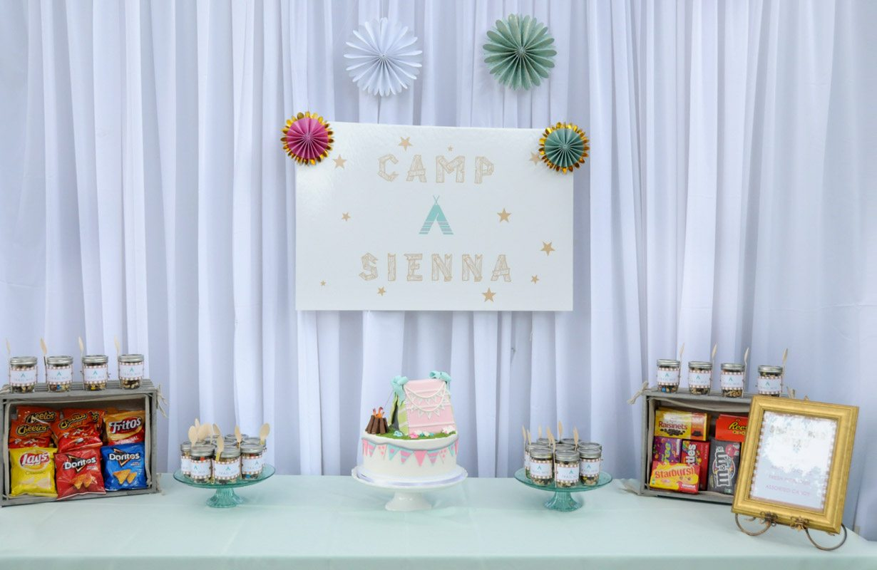 Camp Sienna Sign with Snacks