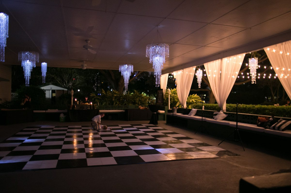 Checkered dance floor with crystal chandeliers Wilcox_Soplinski_Carrie_Wildes_Photography_CWP0894