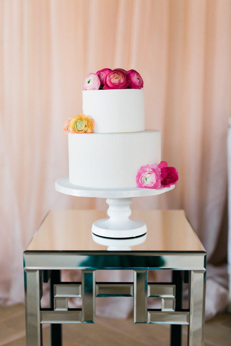 _Clean white cake with pink florals lemigamichelle_ellegolden-211