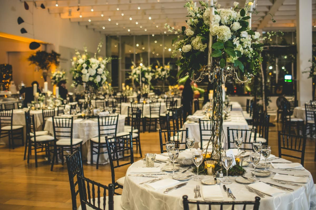Lush indoor garden wedding at the high museum of art in for Indoor outdoor wedding venues