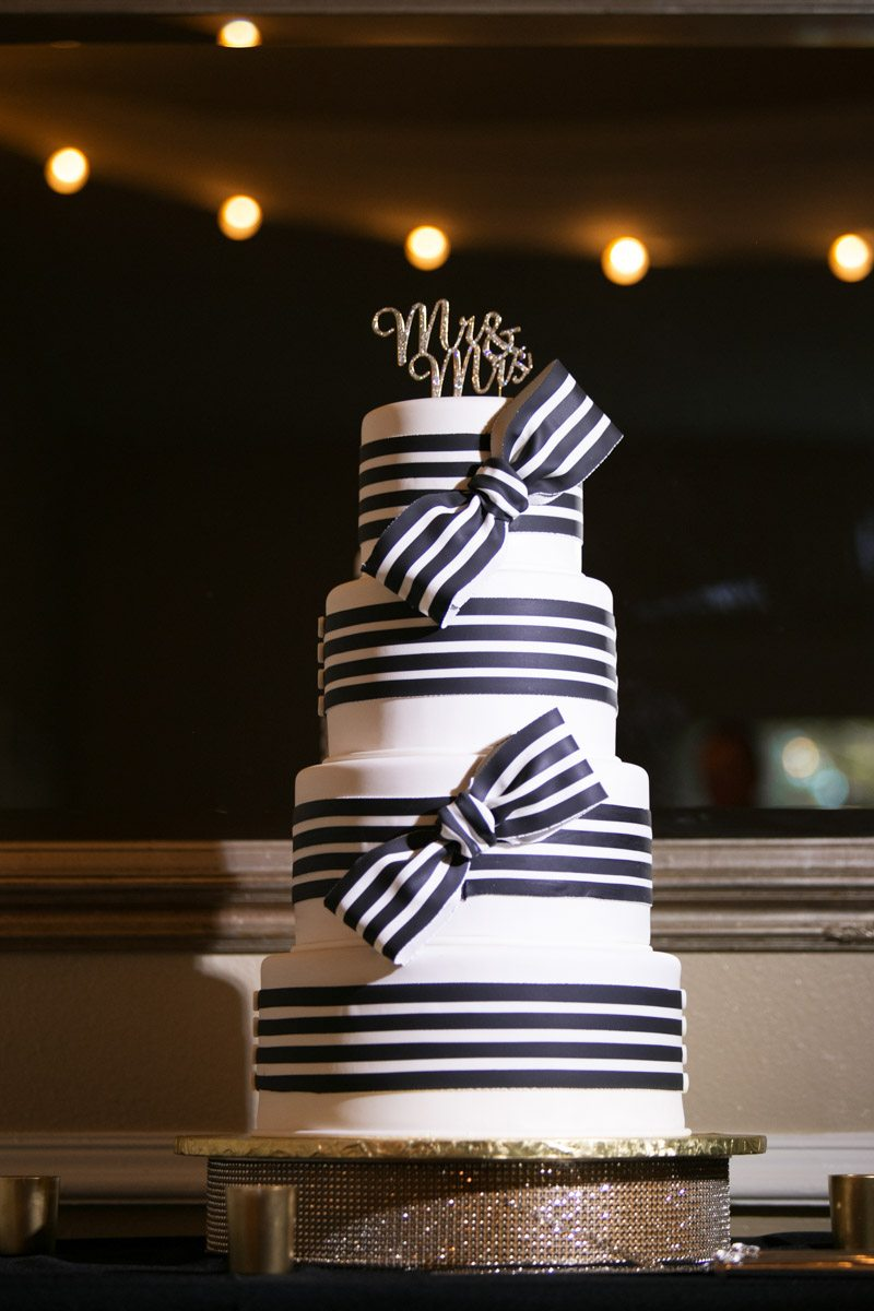 Ribbon cake Wilcox_Soplinski_Carrie_Wildes_Photography_CWP0361