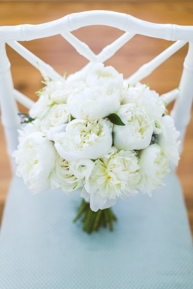 _White peony bridal bouquet TAWed0100