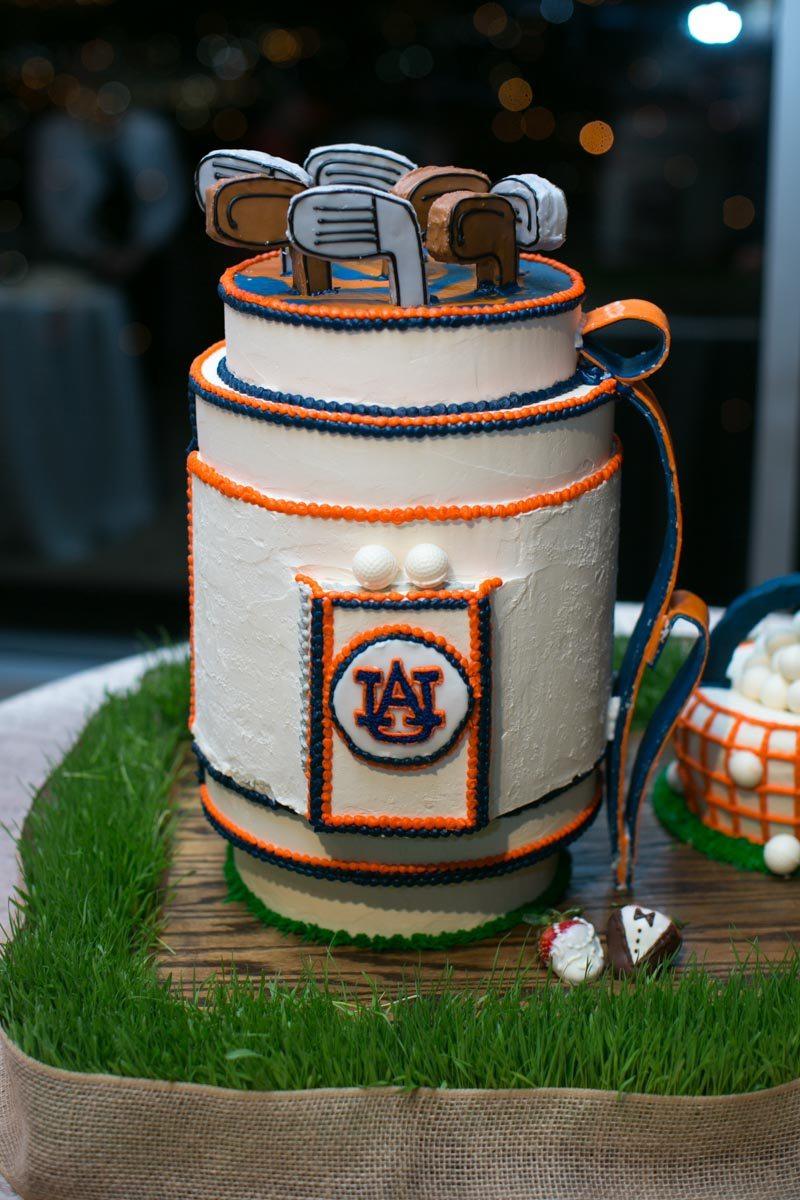 Auburn cake golf club topping